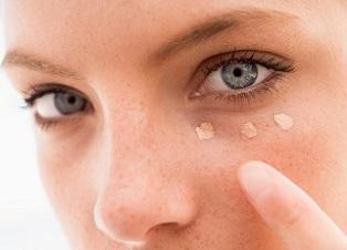 bästa concealern för mörka ringar under ögonen